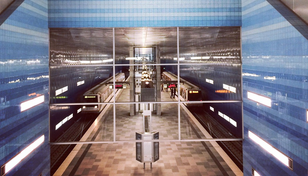 architectural-guided-tours-hamburg-hafencity-subway-ueberseequartier