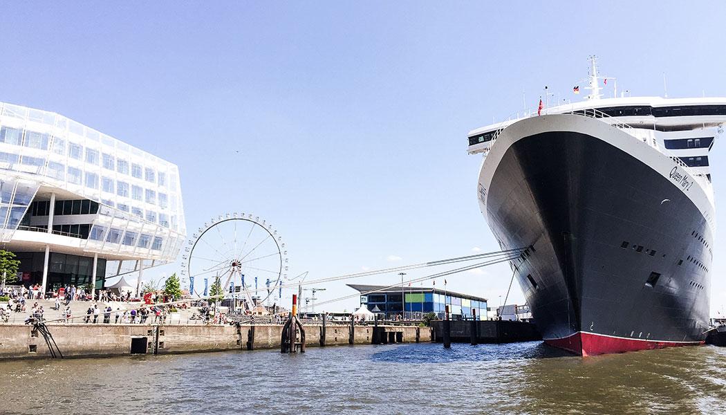 stadtfuehrung hamburg architektur QM2 Hafen