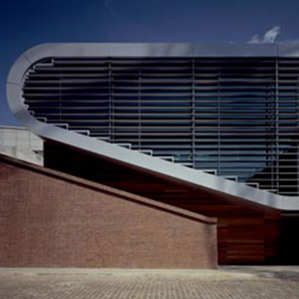 architectural-guided-tours-hamburg-perlenkette-ElbbergCampus